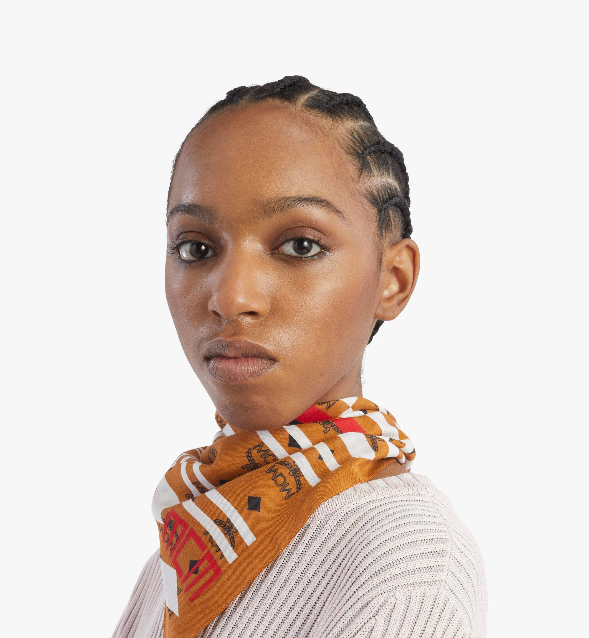 MCM Geo 塗鴉頭巾 Brown MEFBSSX03N4001 更多視圖 3