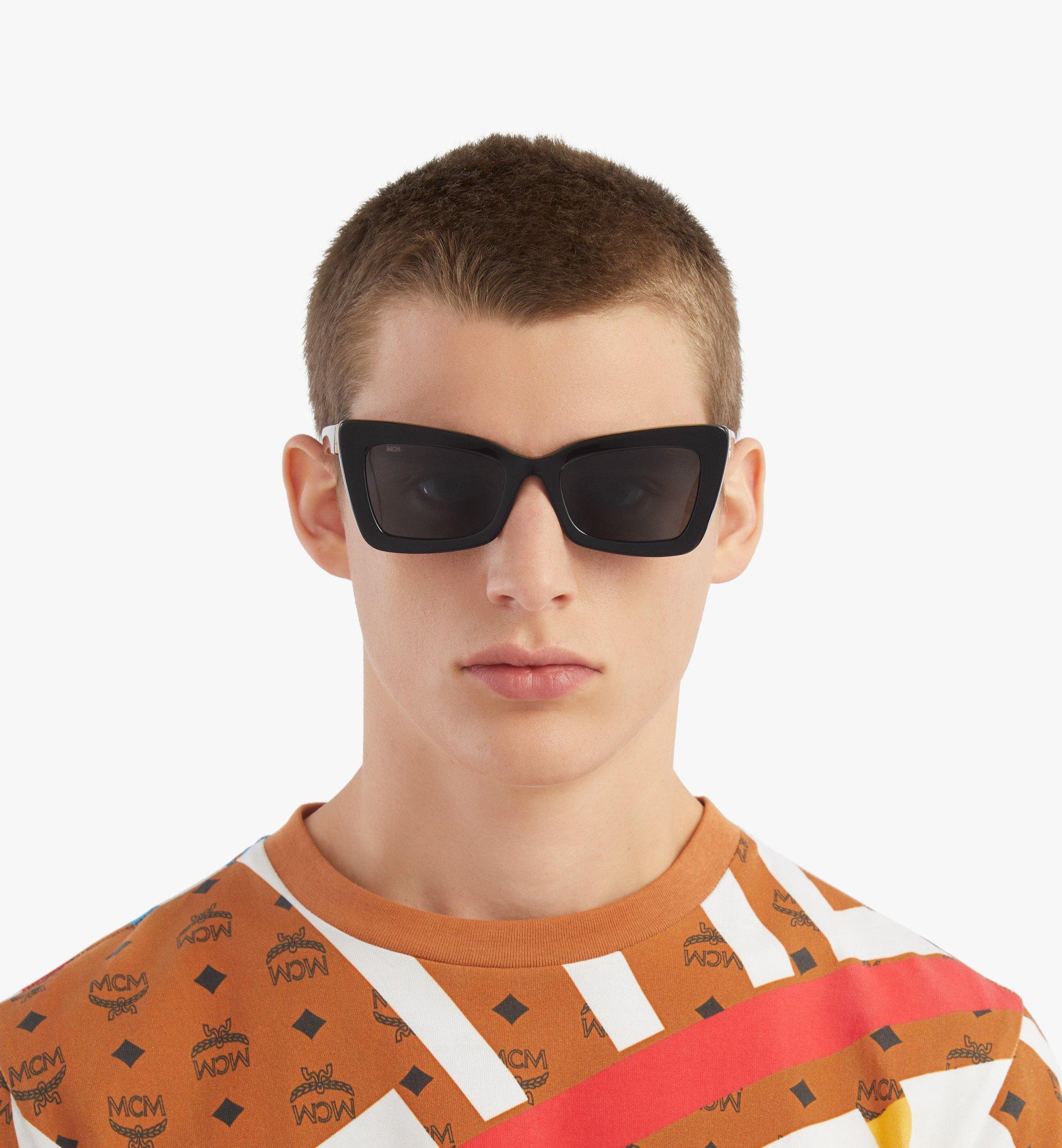 MCM 703S Rechteckige Sonnenbrille Black MEGBSMM20BK001 Noch mehr sehen 3