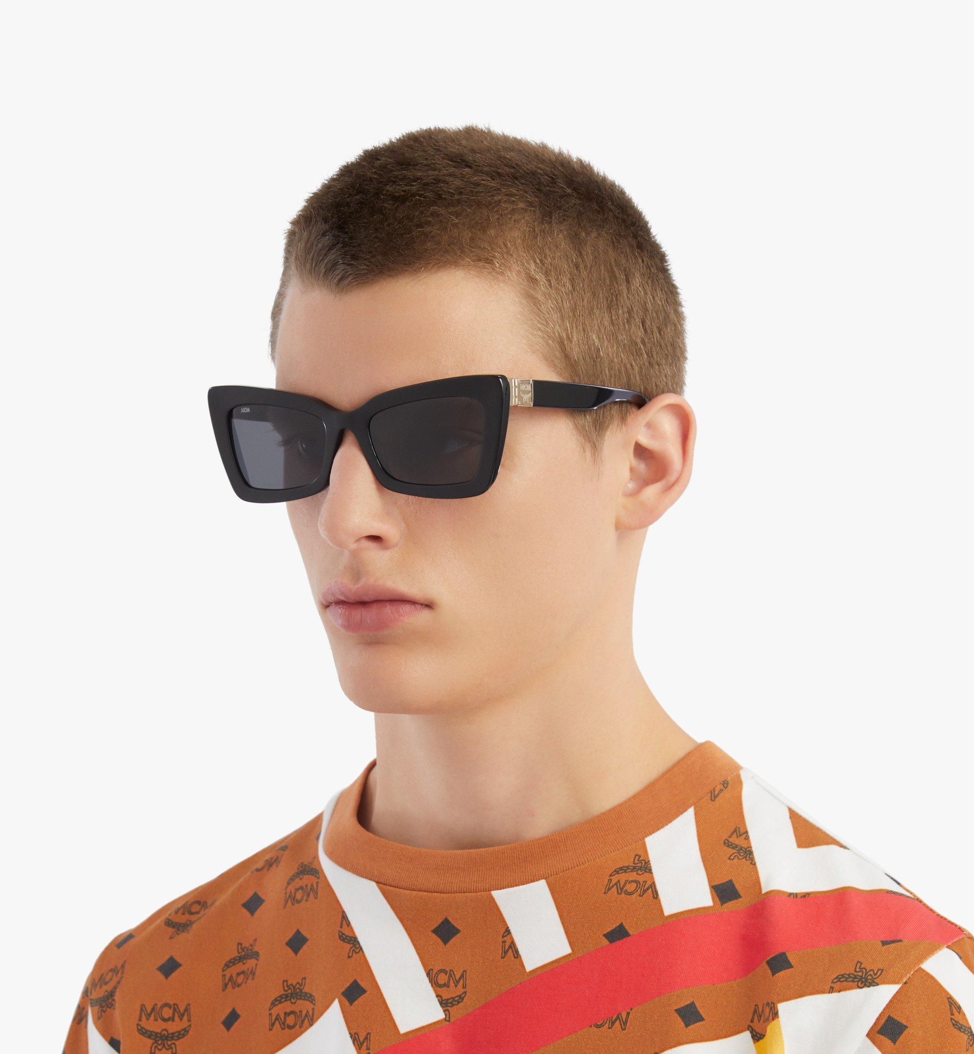 MCM 703S Rechteckige Sonnenbrille Black MEGBSMM20BK001 Noch mehr sehen 4