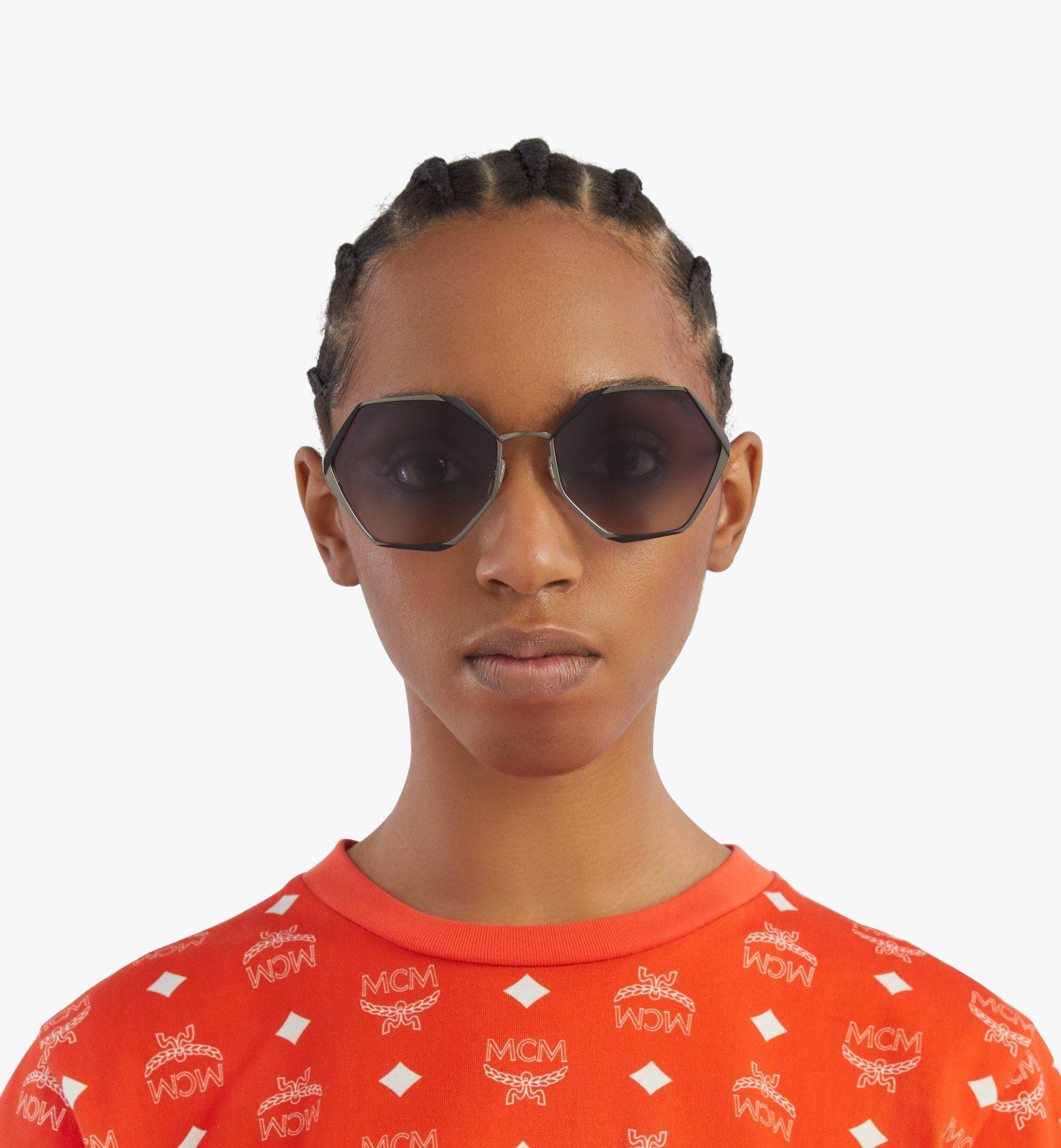 MCM 500SSonnenbrille mit geometrischem Design Grey MEGBSMM27TU001 Noch mehr sehen 2