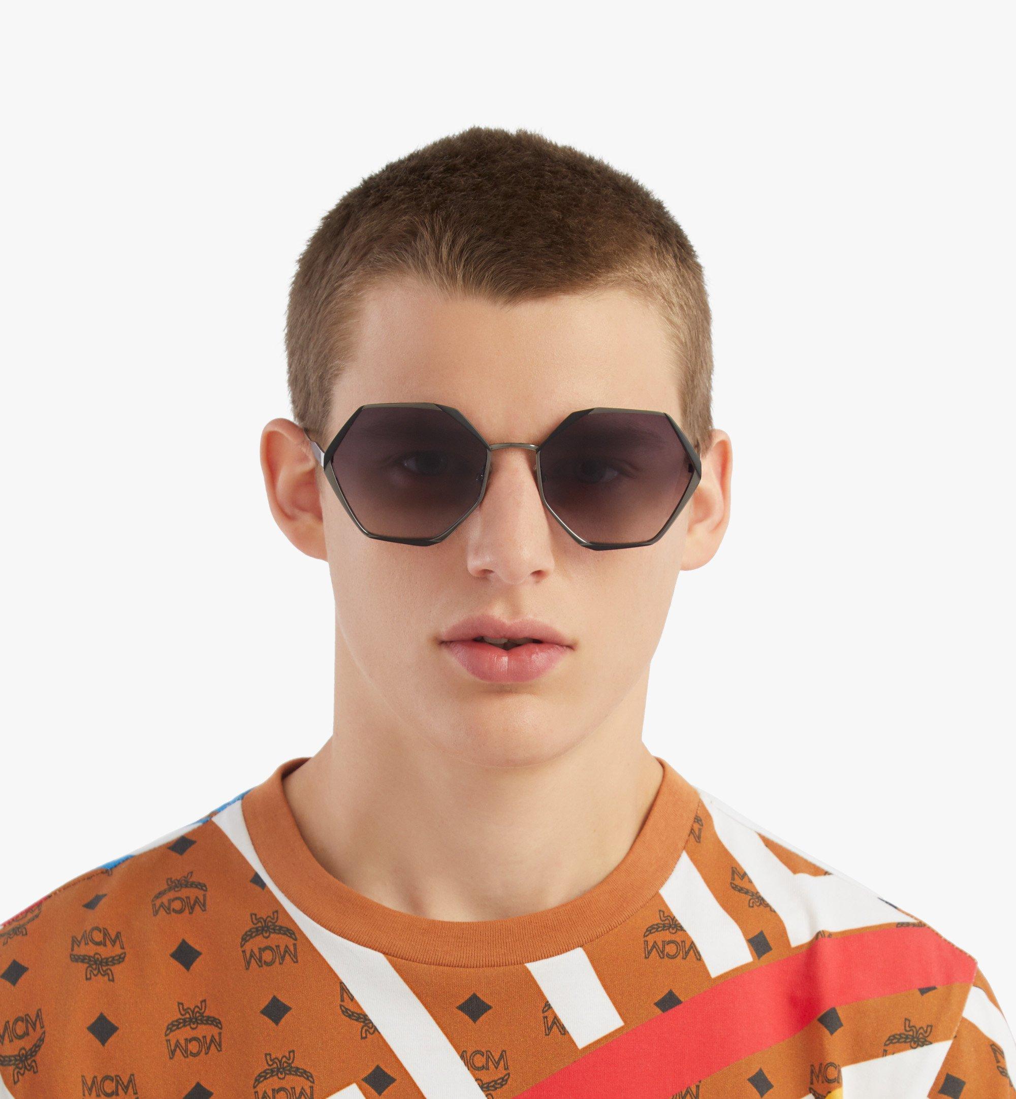 MCM 500SSonnenbrille mit geometrischem Design Grey MEGBSMM27TU001 Noch mehr sehen 3