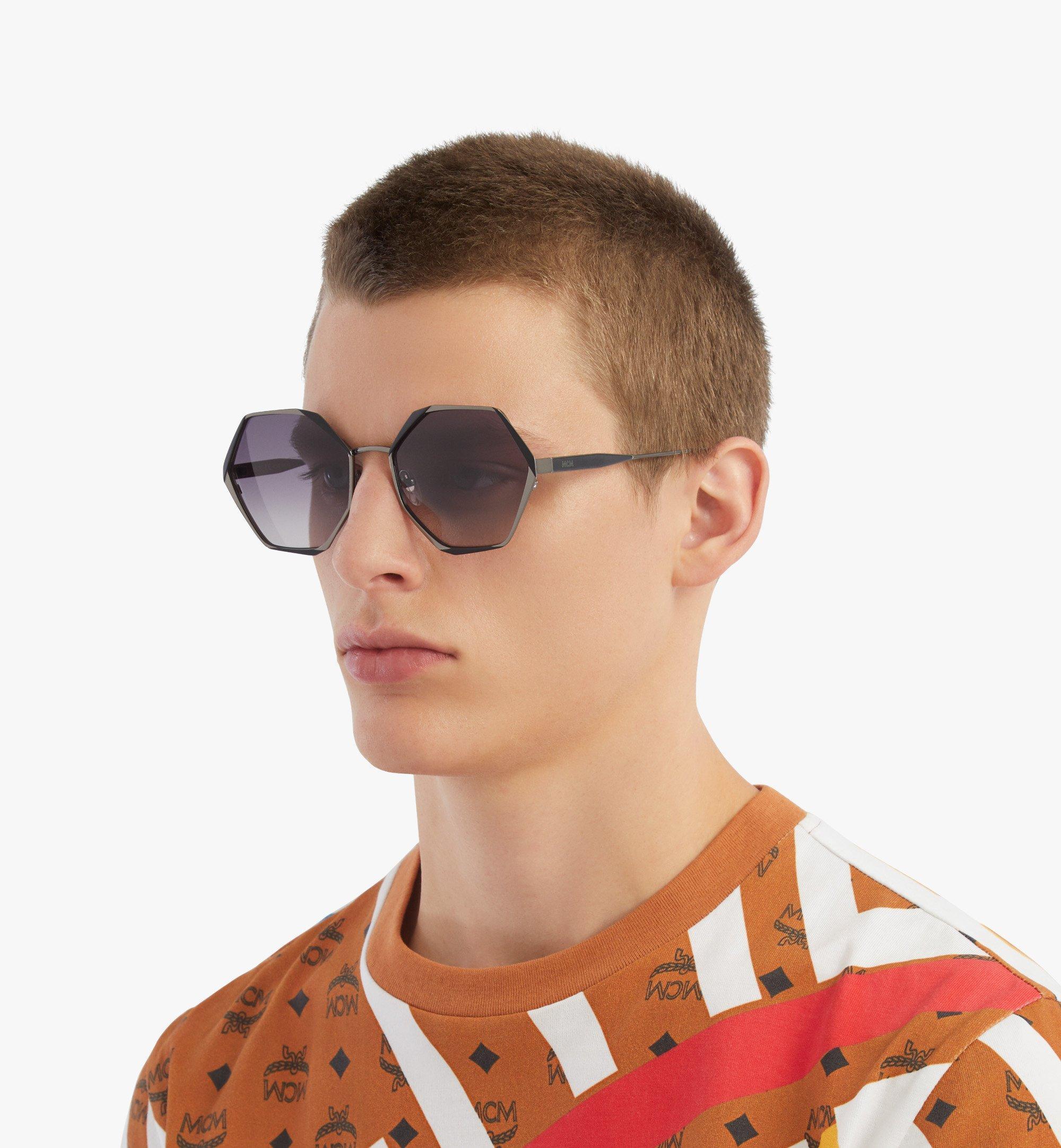 MCM 500SSonnenbrille mit geometrischem Design Grey MEGBSMM27TU001 Noch mehr sehen 4
