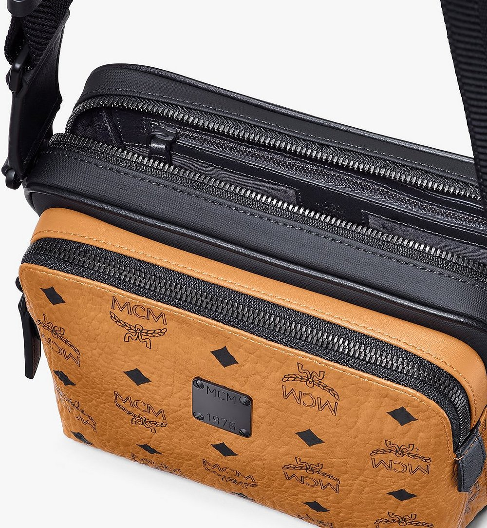 MCM Eckige 1976 Crossbody-Tasche in Visetos Cognac MMRASMV03CO001 Noch mehr sehen 3