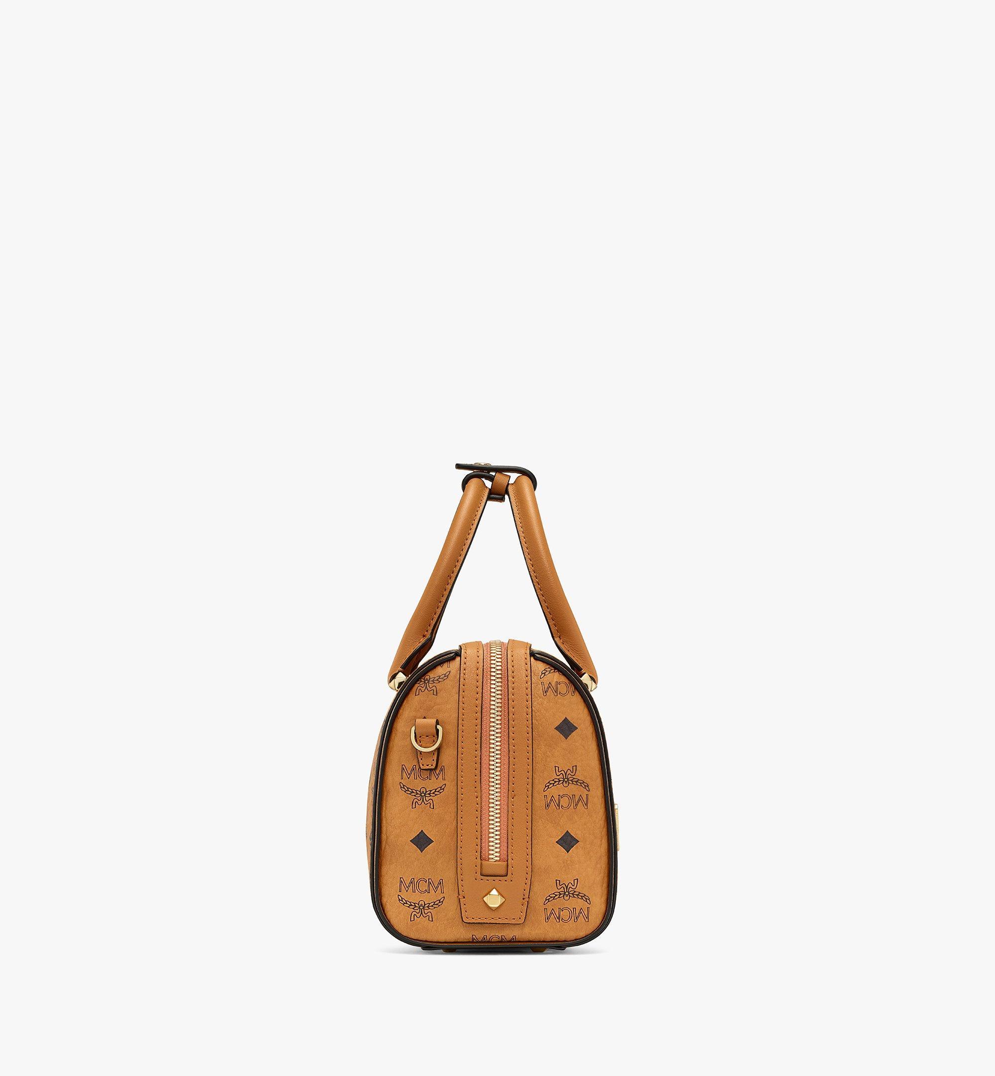 23 cm 9 in Essential Boston Tasche in Visetos Cognac | MCM® DE