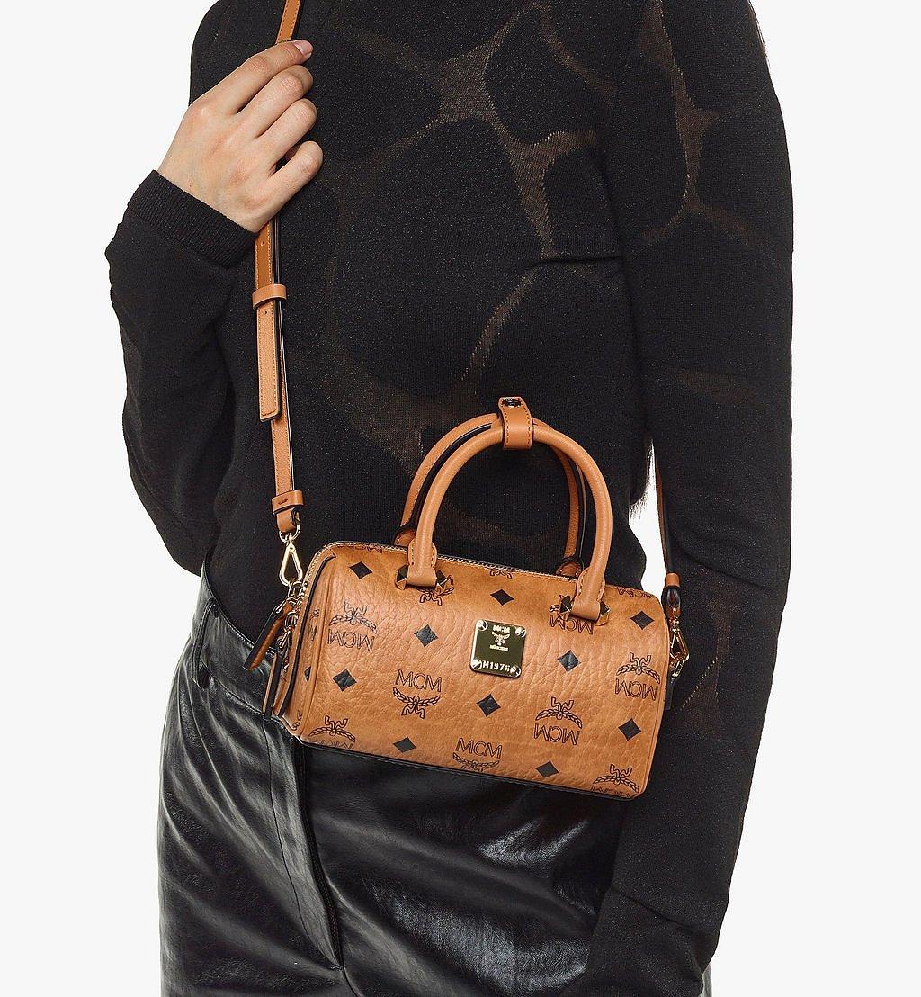 MCM Essential Boston-Tasche in Visetos Original Black MWBAASE03CO001 Noch mehr sehen 4