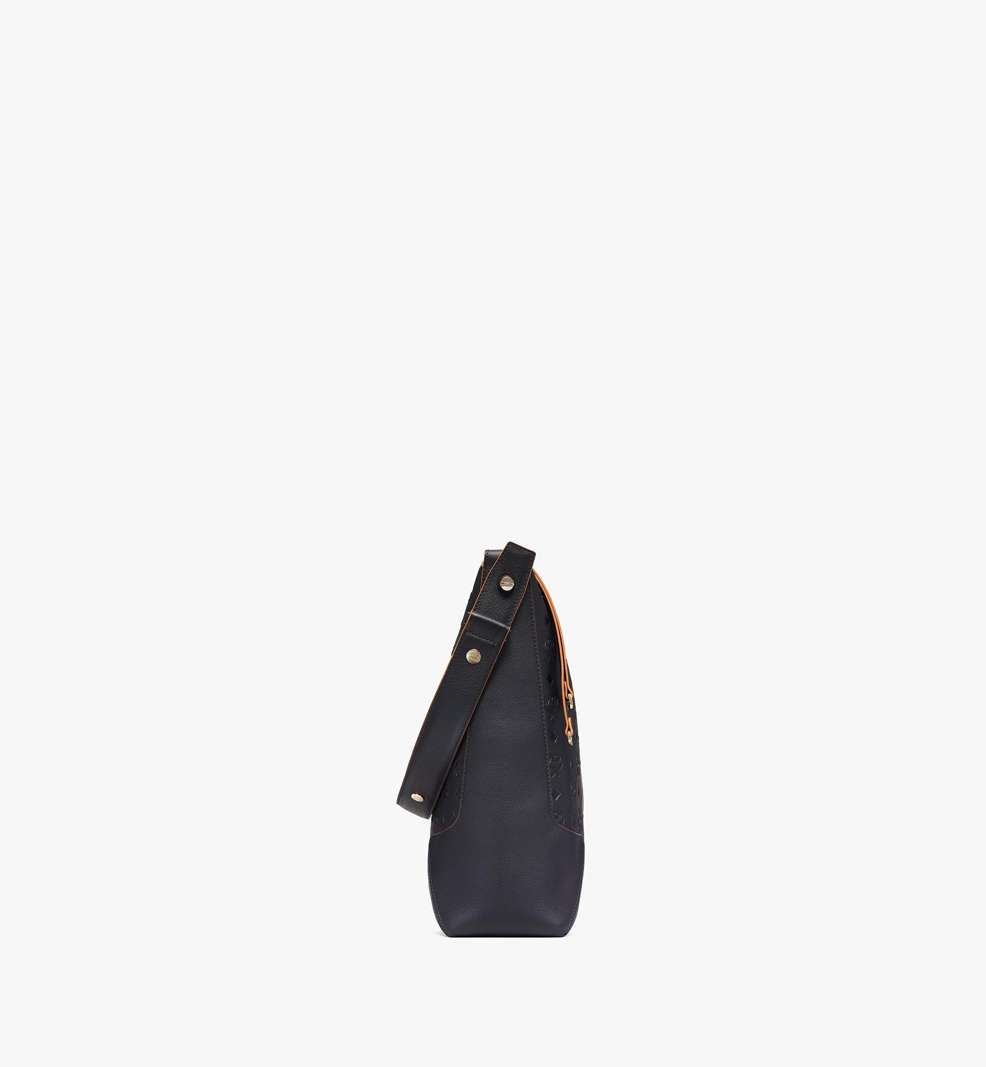 MCM Klara Hobo-Tasche aus Leder mit Monogramm Black MWHBSKM03BK001 Noch mehr sehen 1