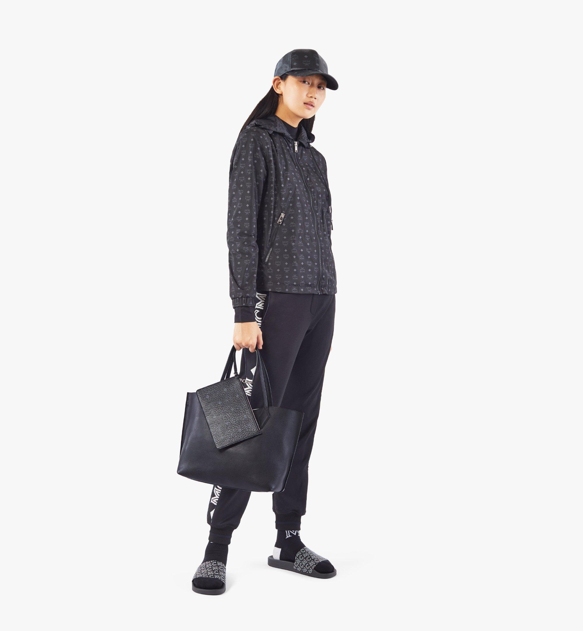 MCM Yris Tani 皮革購物袋 Black MWPAAYS01BK001 更多視圖 3
