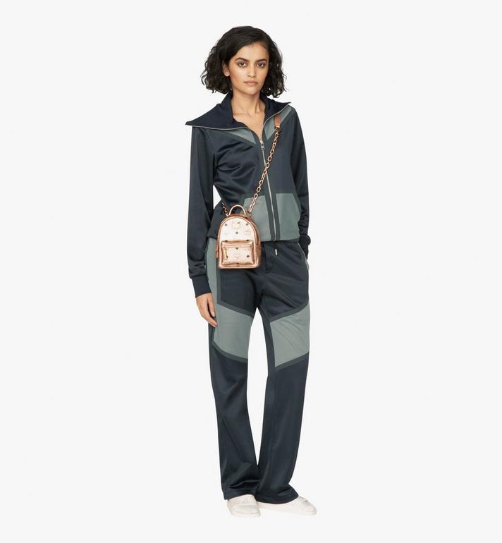 MCM Mini sac à dos et à bandoulière Essential en Visetos Alternate View 5