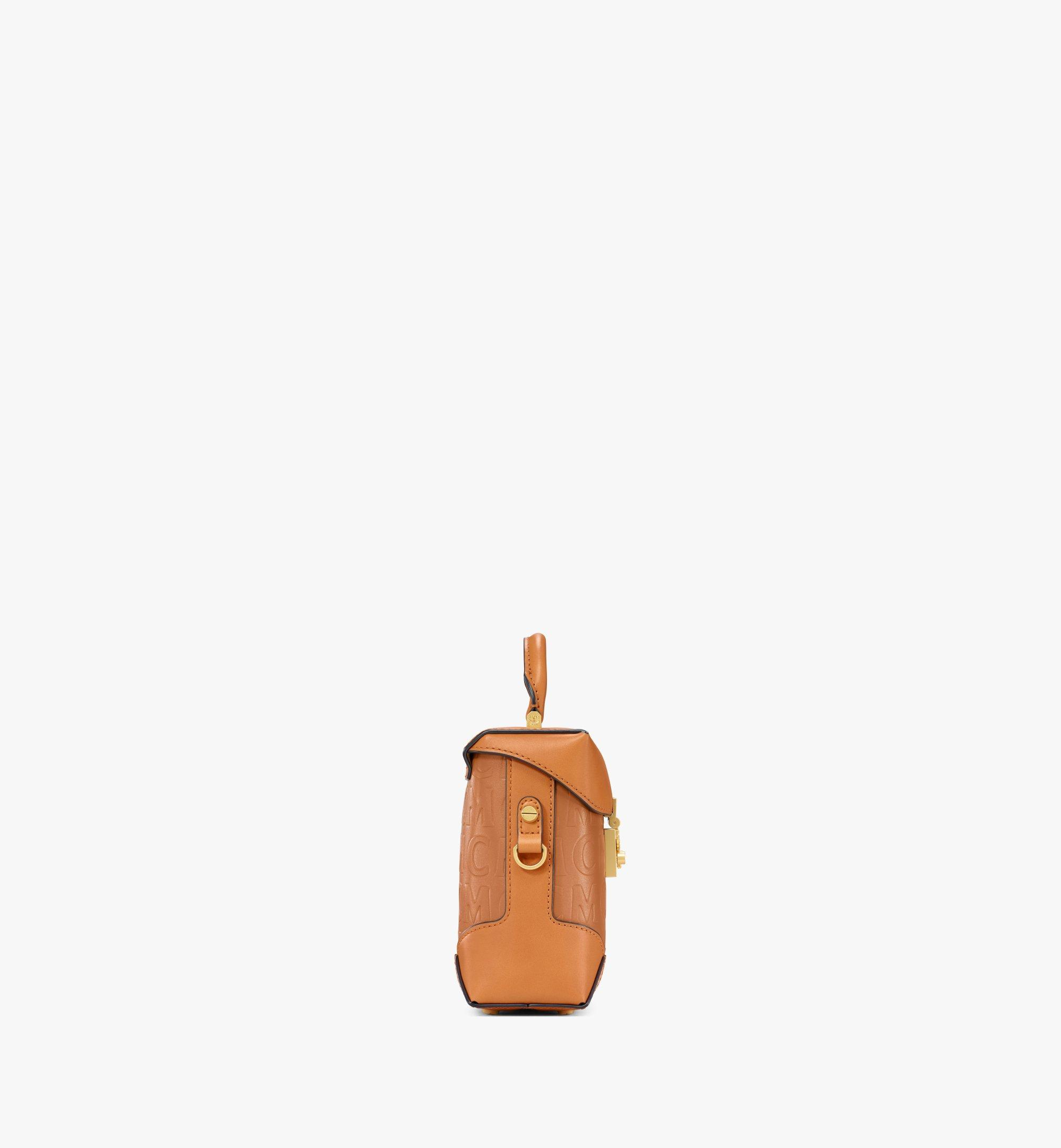 MCM 〈ソフト ベルリン〉N/S クロスボディバッグ - MCM モノグラムレザー Cognac MWRAABF02CO001 ほかの角度から見る 1