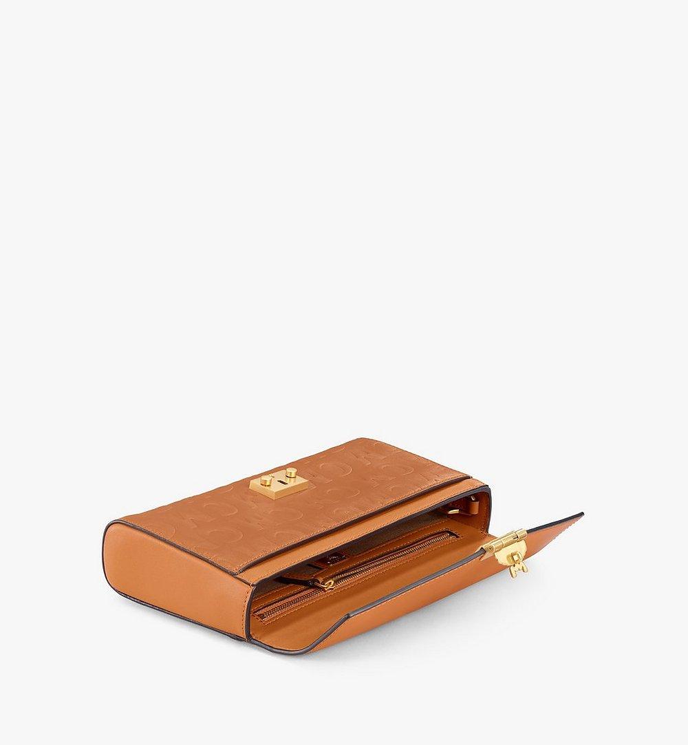 MCM Crossbody-Tasche Millie aus Leder mit MCM-Monogramm Black MWRAAME10CO001 Noch mehr sehen 1