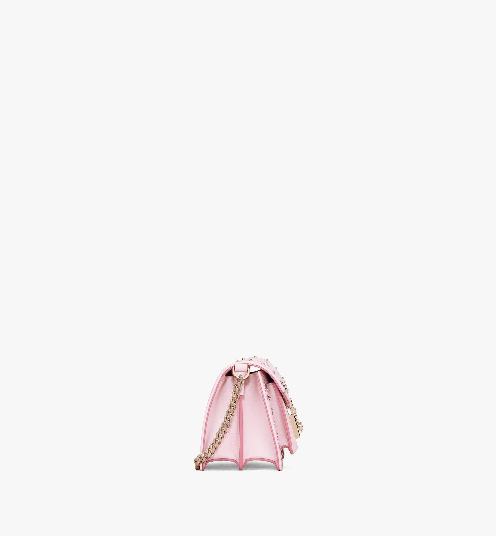 MCM 〈パトリシア〉クロスボディバッグ - スタッズ アウトライン ヴィセトス Pink MWRAAPA04QH001 ほかの角度から見る 1