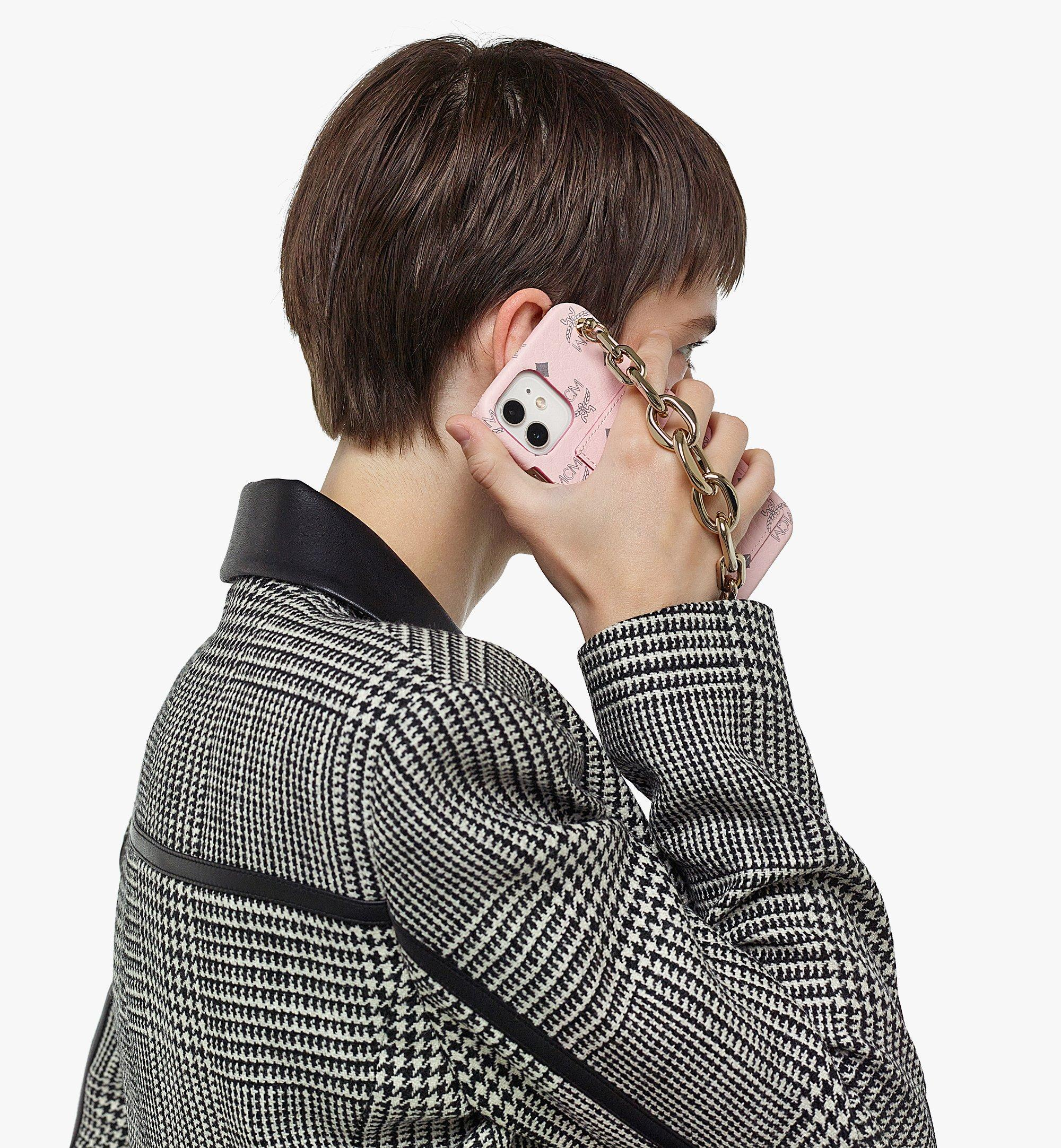 MCM iPhone 12/12 Pro 手機殼附鏈條把手及卡片夾層 Pink MXEBAVI02QH001 更多視圖 2