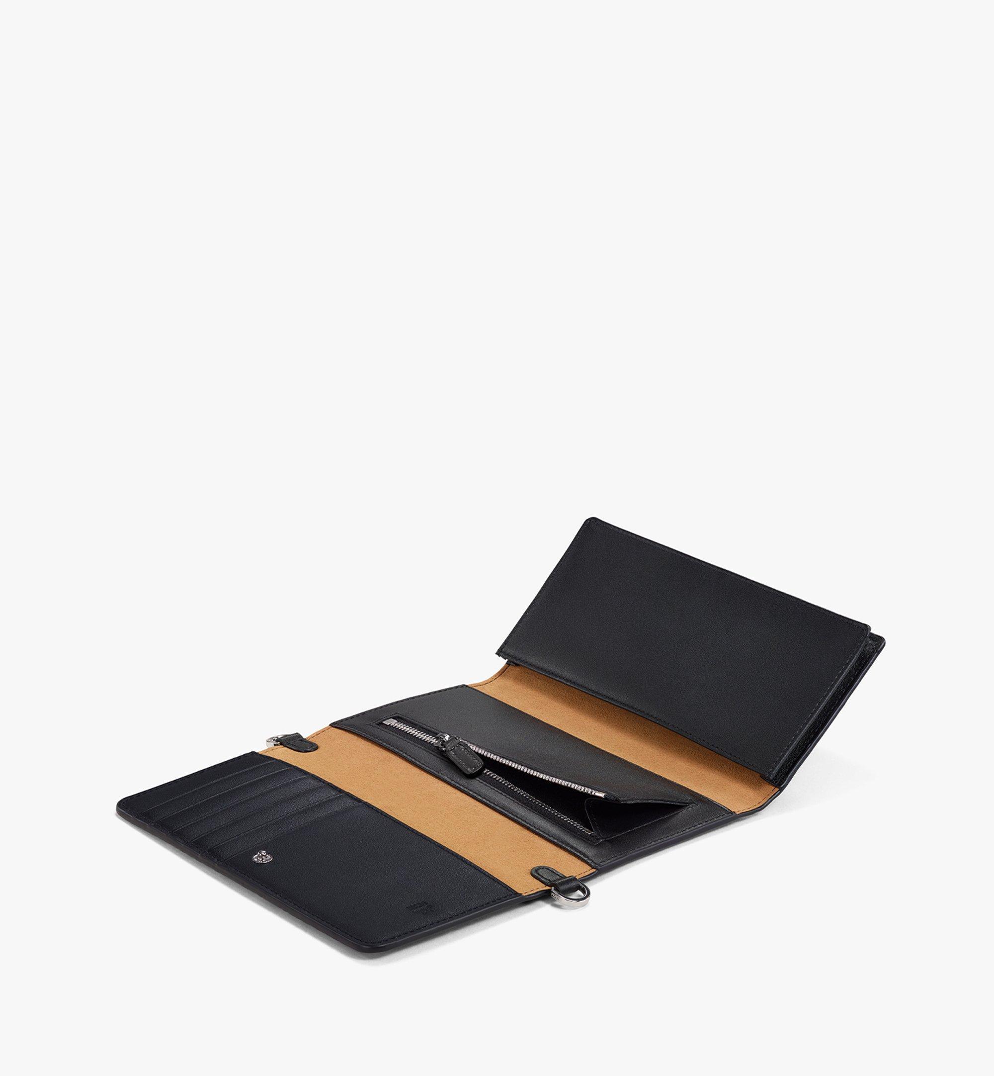 MCM กระเป๋าสตางค์ใส่โทรศัพท์มือถือครอสบอดี้ลาย Visetos Original Black MXEBSVI01BK001 มุมมองอื่น 1