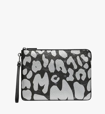 Tasche mit Handgelenksband und Reissverschluss in MCM Leopard Print
