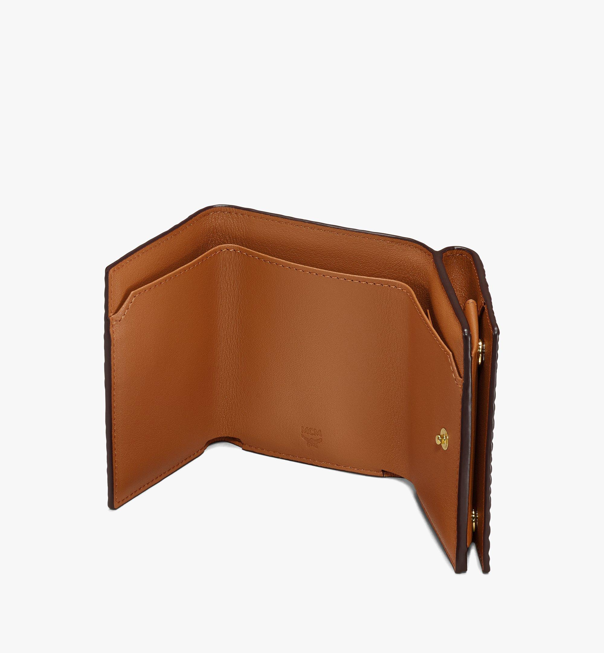 MCM กระเป๋าสตางค์พับสามทบลาย Visetos Cognac MYAASVI01CO001 มุมมองอื่น 2