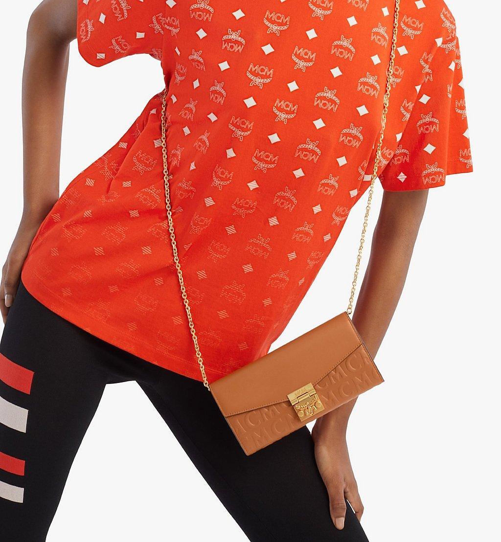 MCM Patricia Crossbody-Brieftasche aus Leder mit MCM-Monogramm Brown MYLAAPA05CO001 Noch mehr sehen 2