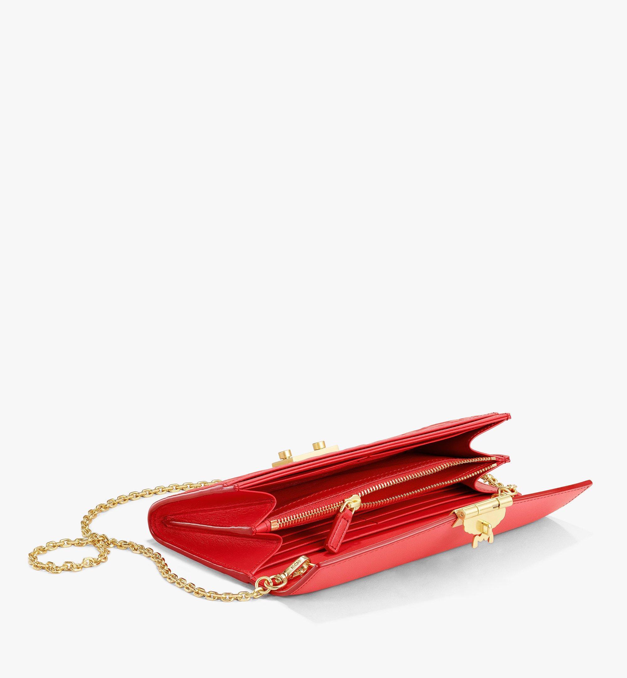 MCM Patricia Crossbody-Brieftasche aus Leder mit MCM-Monogramm Red MYLAAPA05RP001 Noch mehr sehen 1