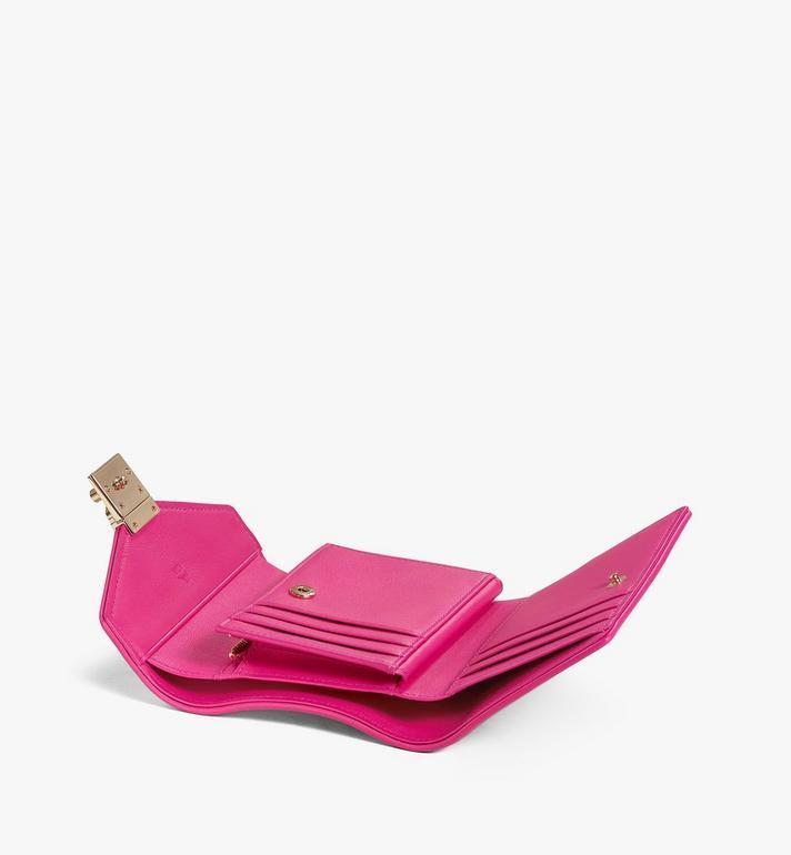 MCM 〈パトリシア〉三つ折りウォレット - ヴィセトス レザー ブロック Pink MYSAAPA05QH001 Alternate View 3